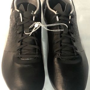 New Black/Silver Size 10.5